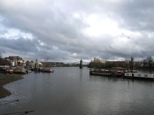 Från terassen syns Hammersmith Bridge (i bättre väder iallafall).
