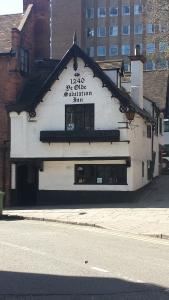Old Salutation Inn. Ytterligare en av Englands äldsta pubar