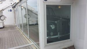 Jag vill också ha en egen båt med garage!