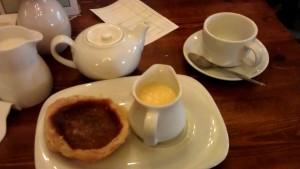 Bakewell pudding med vaniljsås hos