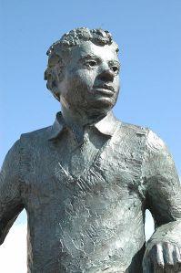 Statyn i Swansea Foto: WikiCommons