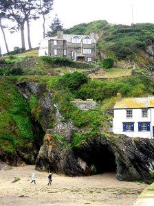 Träden, arkitekturen, grottan - det blir inte mer Cornwall.