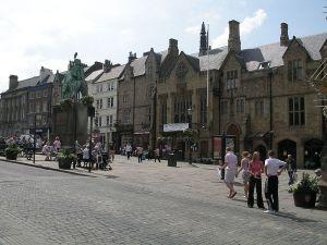 Market Place i nordengelsk sten Foto: Wikipedia