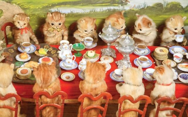 kittens-having-tea_2884468k