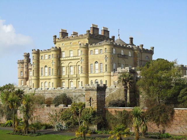 Culzean_Castle_house_and_gardens_01