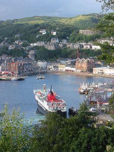Oban - din bas i Skottland