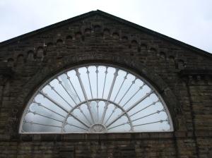 Fönster från järnvägens heydays på Buxtons station.