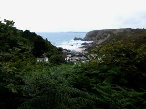 Trevaunance Cove från ovan. Puben nederst till höger.