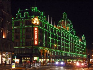 Harrods_of_Knightsbridge_goes_green_-_geograph.org.uk_-_1590508