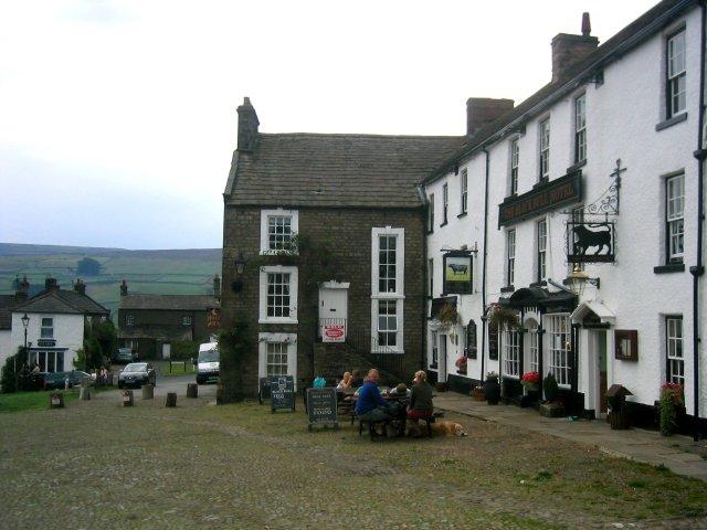 Pubarna på High Lane i Reeth är lite av lokala nav.