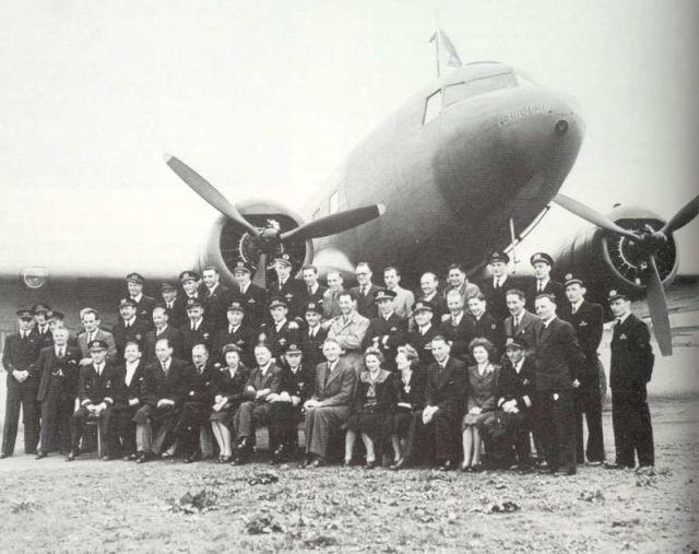 BOAC DC-3:a från okänt år   Foto: Wikipedia