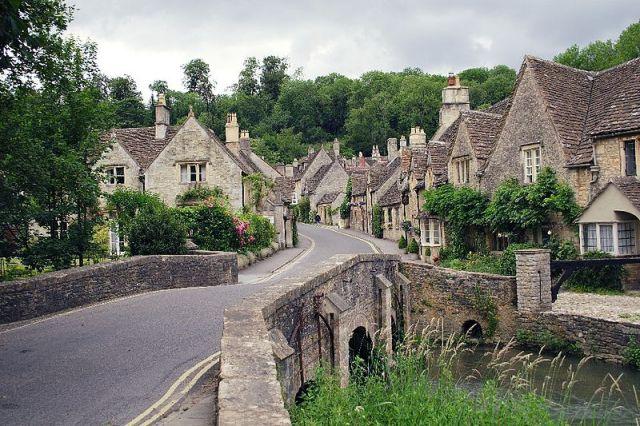 Castle Combe.  Foto: John Menard (Wikipedia)